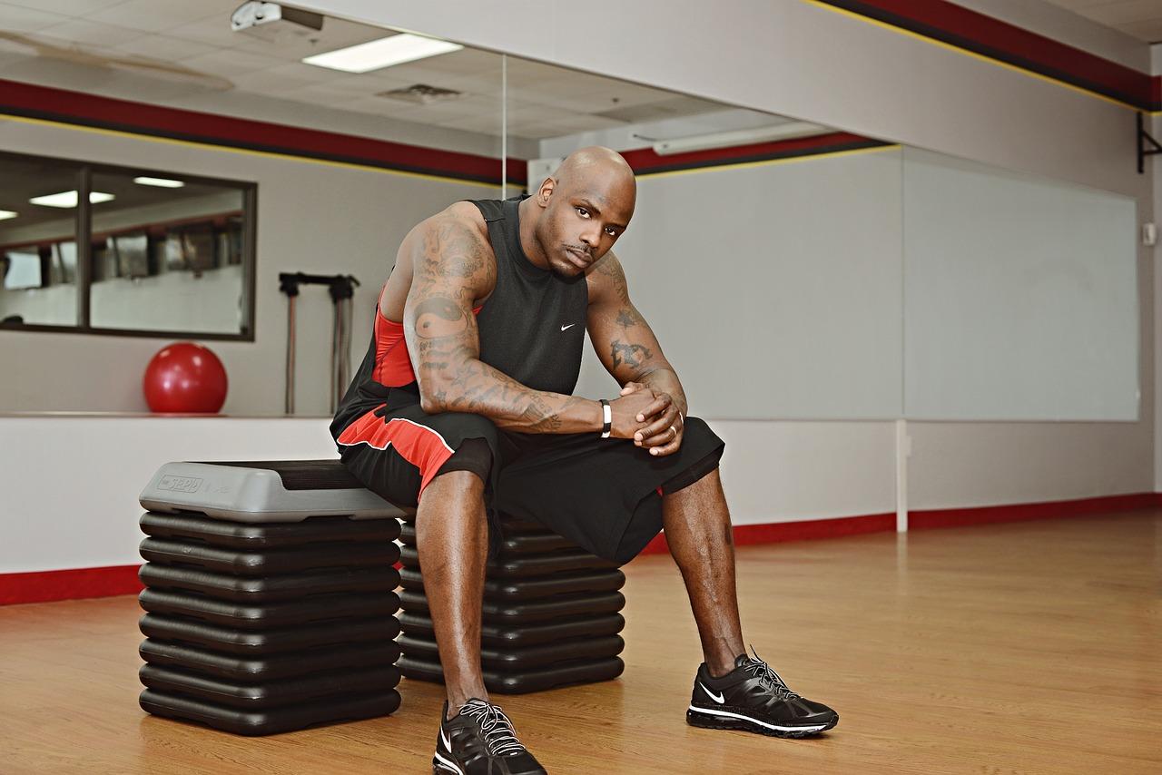 Jakie są fundamenty treningu siłowego?